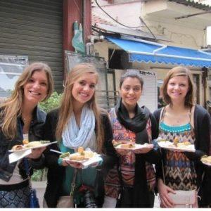 4 girls eating